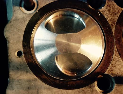 CB750 piston with bent piston rod